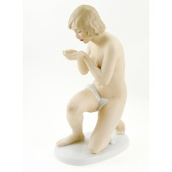 Large Wallendorf Porcelain Woman Figurine